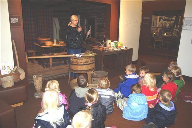 Muuseumitund Võrumaa Muuseumis: kuidas vanasti leiba tehti, vanaaegsed leivateo vahendid
