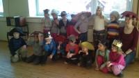 Lapsed külastavad Võru Linnateatri lavatagust 27.03.2014
