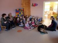 Lastel külas teraapiakoer Jeta 1.r ja 5.r 16.03.2017