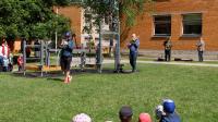 Ansambel Brassical lastele esinemas